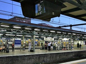 800px-Central_railway_station_Sydney