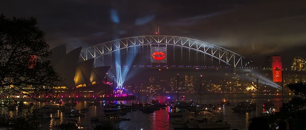 Sydney_Harbour_New_Years_Eve_2012-2013