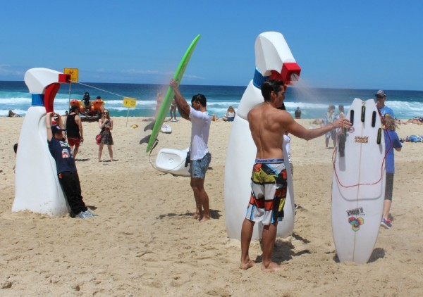 Sculpture by the Sea 2015 Tamarama beach spray guns