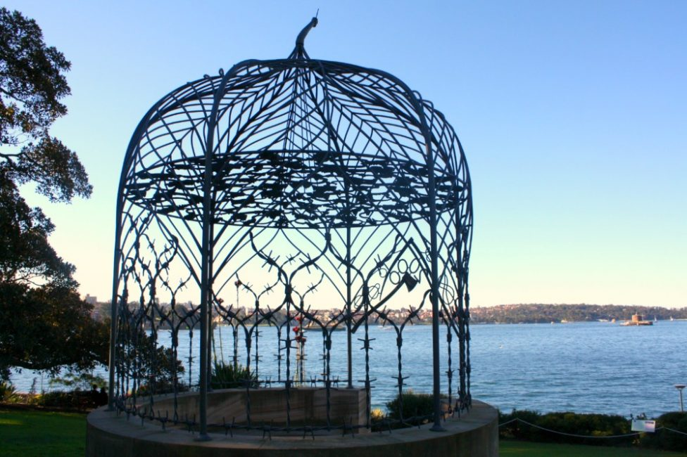Self-guided botanic gardens walk - Mrs Macquarie's folly sculpture