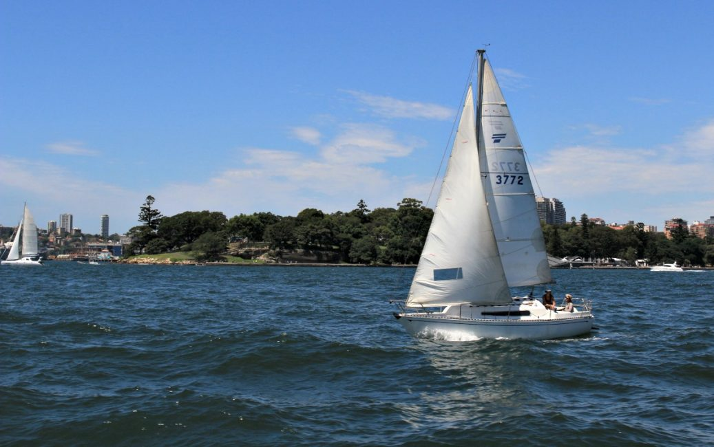Learn to Sail Sydney Harbour | Sailing and Bareboat ...