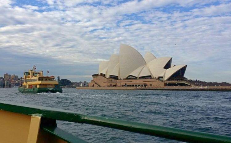 Photo of Sydney Opera House taken from ferry