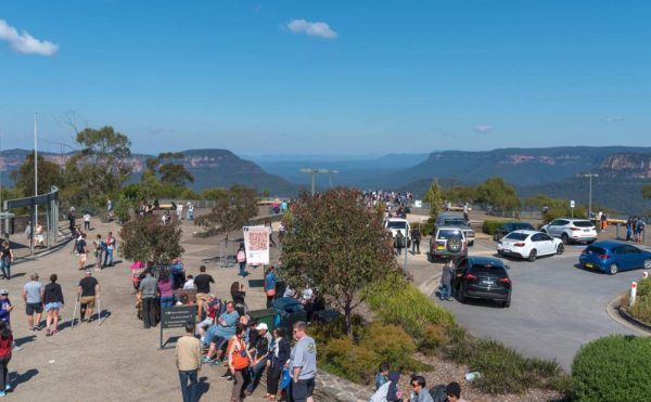 There is limited parking at Echo Point