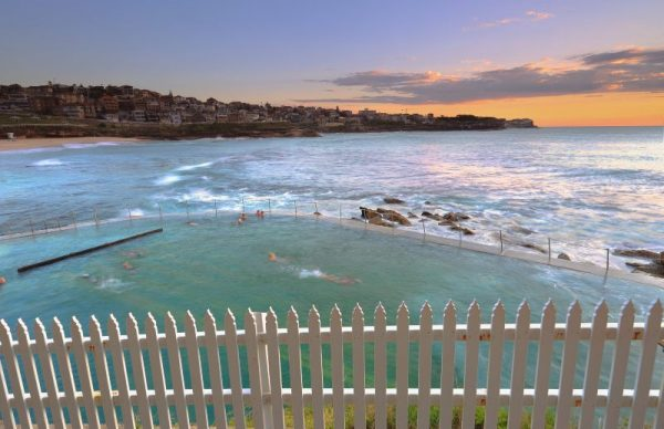 Bronte Baths along Bondi to Coogee walk