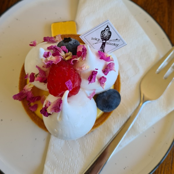 Passionfruit curd tart Icky sticky (1)