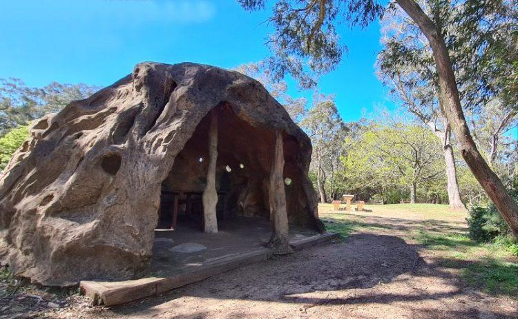 Historic Blue Mountains Picnic shelter at Gordon Falls