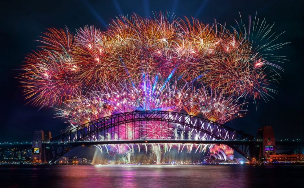 NYE FIreworks on Sytdney Harbour Bridge