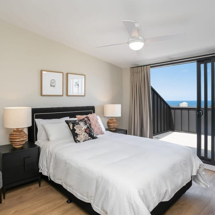 Bedroom in Manly Airbnb with view