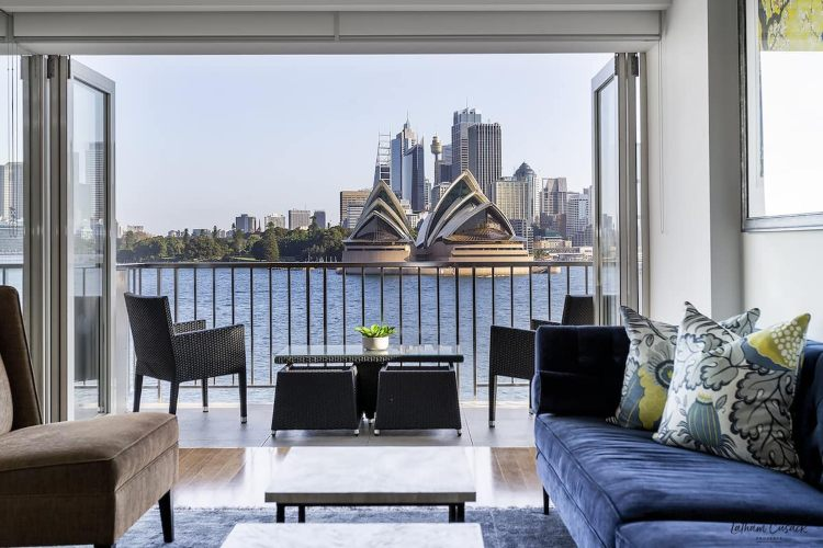 Opera House view apartment